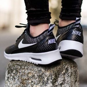 🐼just in!🦝nike air max thea black and white
